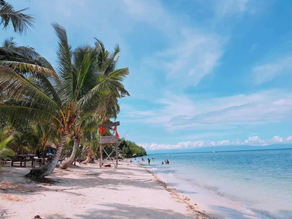 Hidden Beach Aloguinsan Cebu (1)