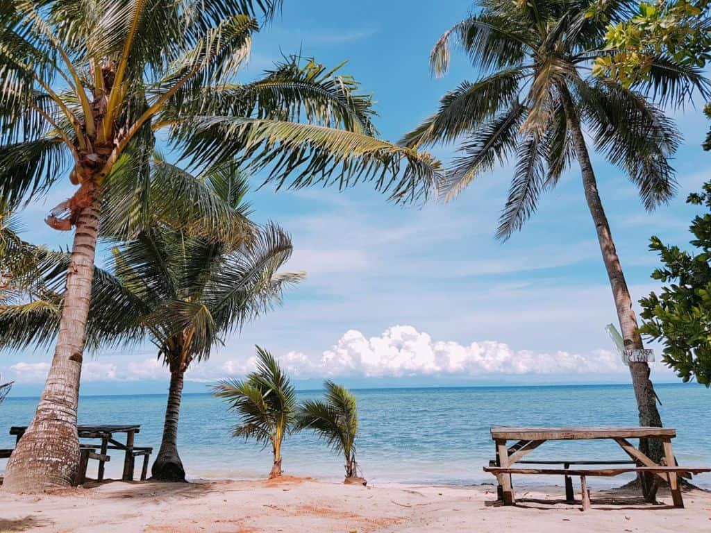 Hidden Beach Aloguinsan Cebu (3)