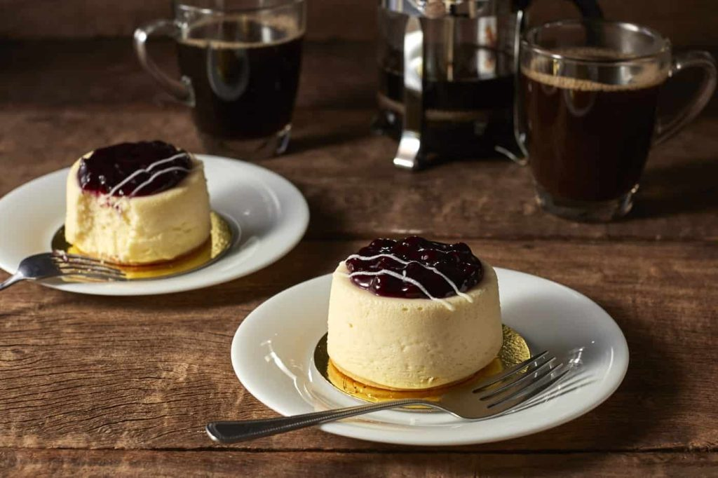 Camembert and Mascarpone Blueberry Cheesecake