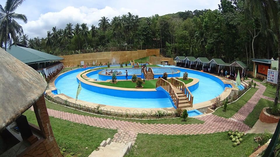 hidden-valley-wave-raging-jacuzzi-pool