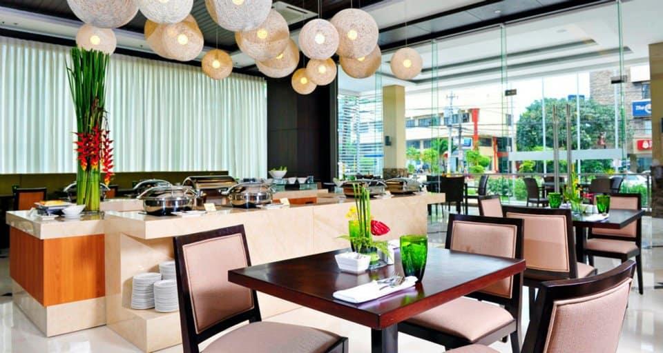 H Cafe Buffet Harolds Hotel