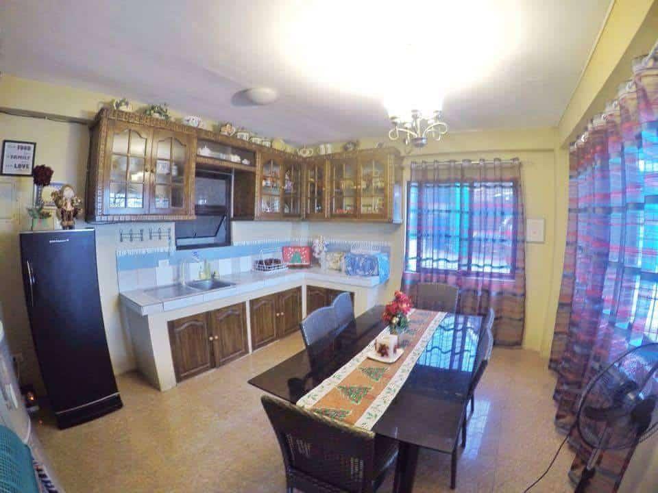 agua villa kitchen dining area