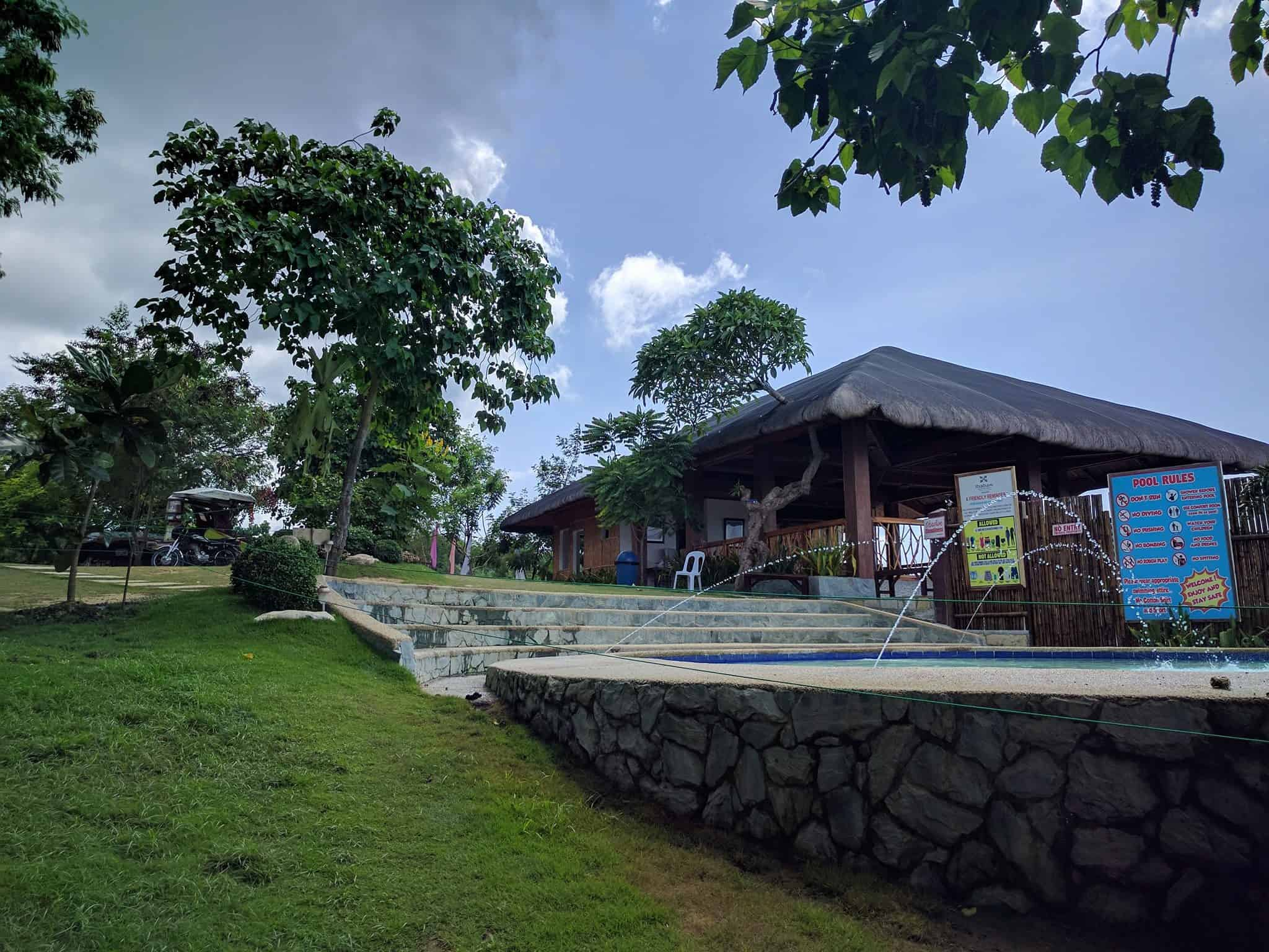 ibabaw-mountain-resort-bar