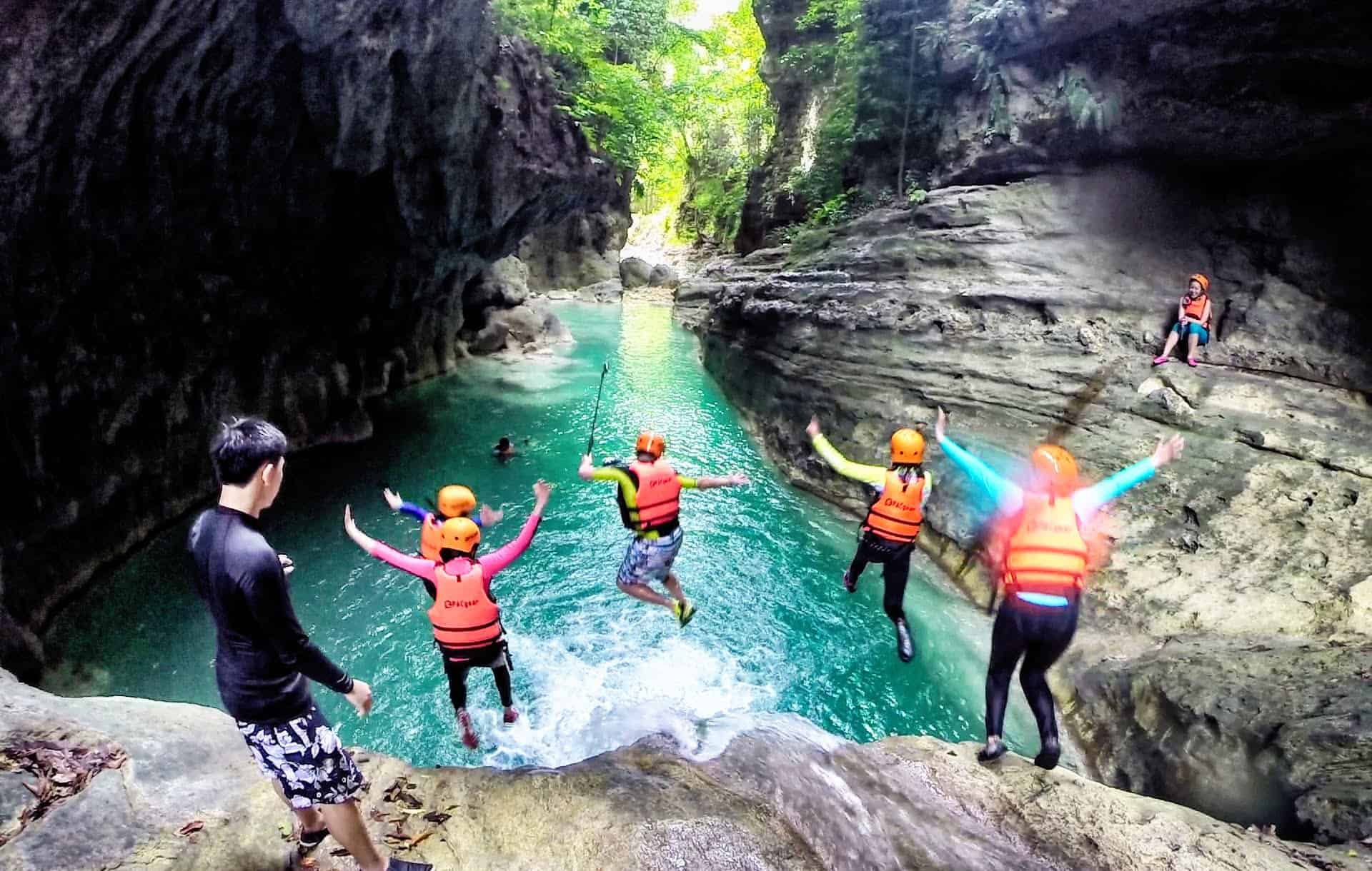canyoneering-kawasan-cebu