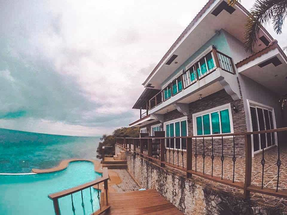 villa-on-a-cliff-oslobcebu