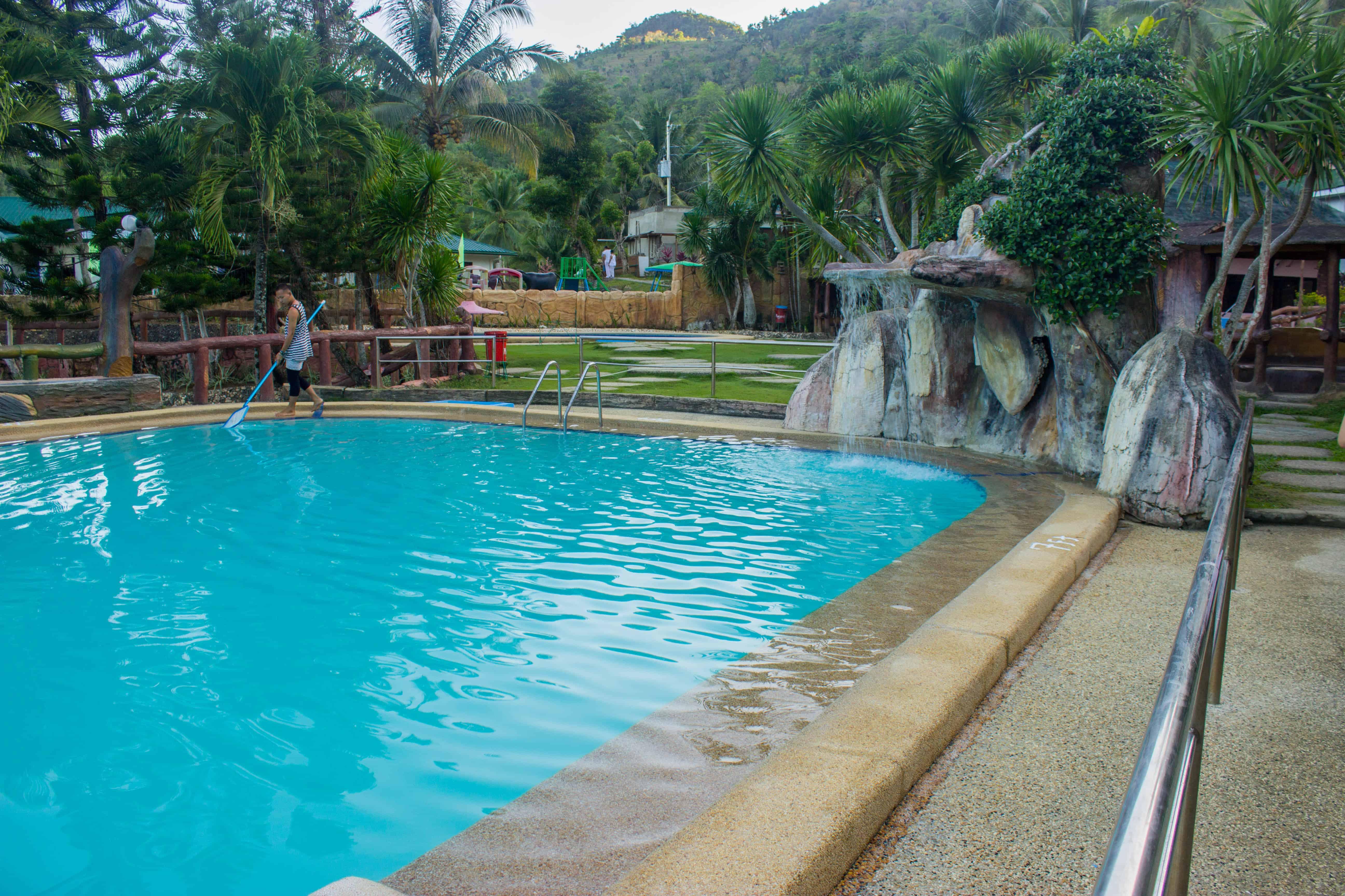 Hidden Valley Wave Pool Resort Pinamungajan Cebu (24)