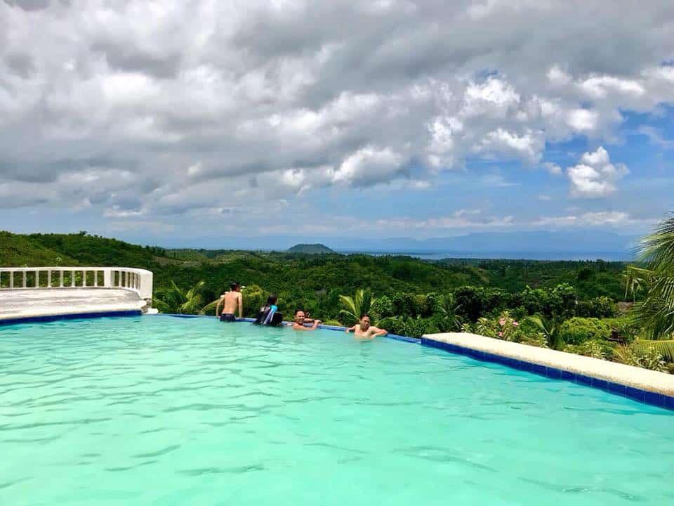 Windy Camp Resort Cebu (3)