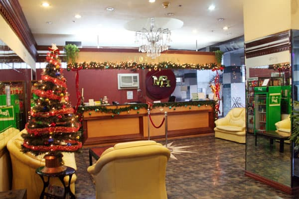 mph-lobby-03-christmas
