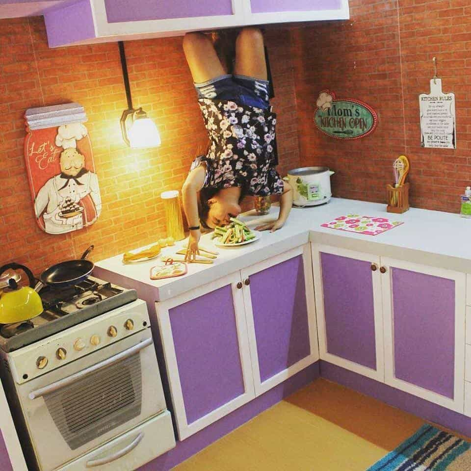 upsidedown-worldcebu-kitchen