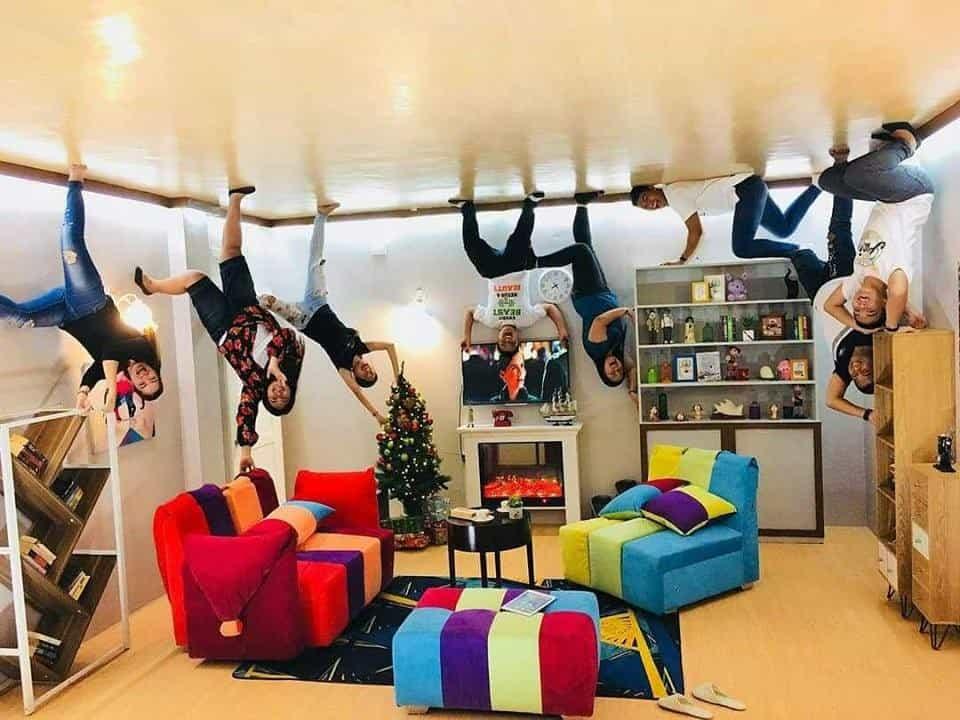 upsidedown-worldcebu-livingroom