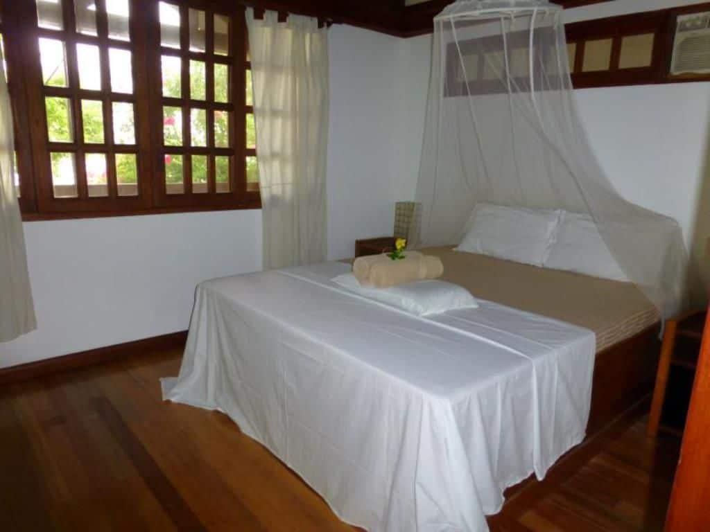 Talima Sinamay Room