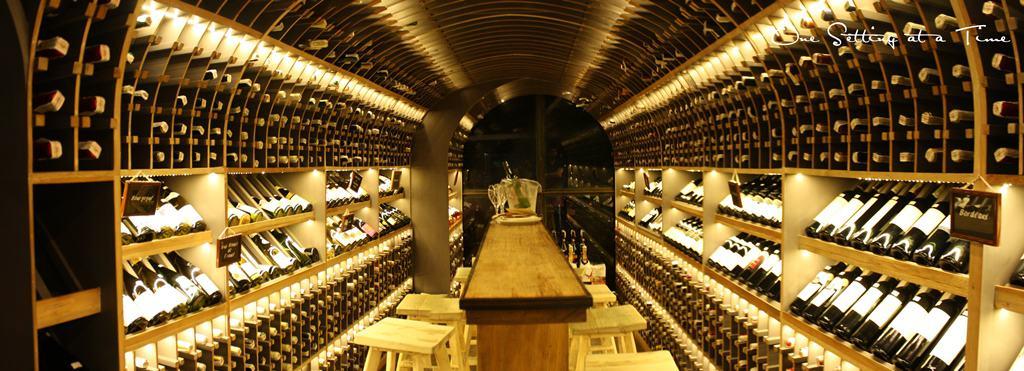 la-vie-wine-cebu2