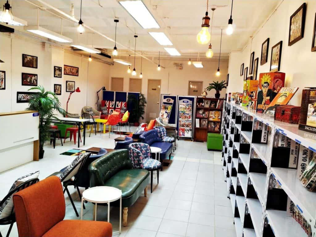 MangaHolic Reading Lounge Banilad Cebu City (1)