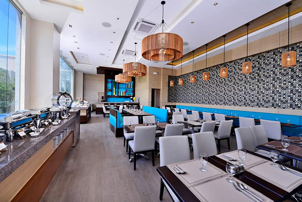 Bayfront Hotel Cebu - Cafe Breeze