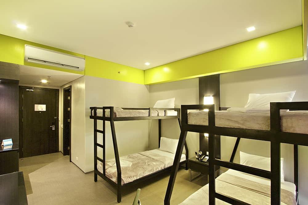 Bayfront Hotel Cebu - ROOM barkada B