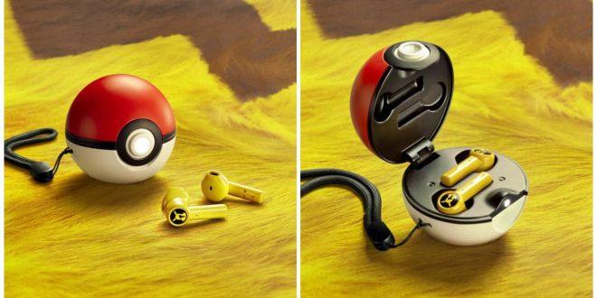 1Razer Pikachu Earbuds