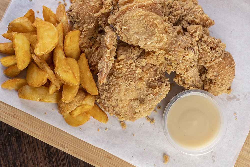 6-pc.-Snappy-Fried-Chicken-with-Potato-Wedges-1-1
